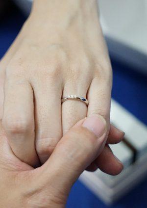 4 eenvoudige stappen om een verlovingsring te kiezen en te kopen